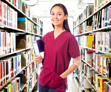 medical student in library