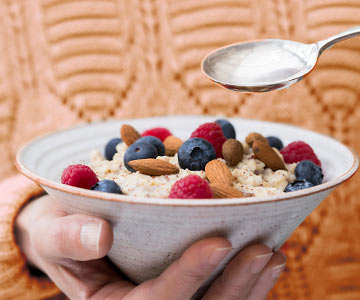 Oatmeal with fruit provides a fiber-rich start to your day.