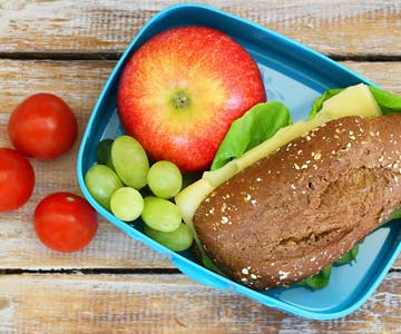 Learn to pack a healthy lunch like a pro.